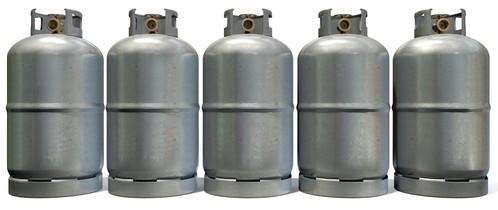 Cilindros de gás. Foto: albund / Shutterstock.com