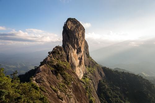 Pedra do Baú, na Serra da Mantiqueira. Foto: Klaus Balzano / Shutterstock.com