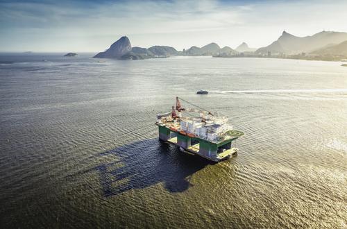 Plataforma de Petróleo. Foto: marchello74 / Shutterstock.com