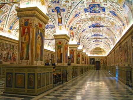 Hall da Biblioteca Apostólica Vaticana. Foto: Francesco Dazzi / Shutterstock.com