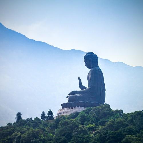 Estátua gigante de Buda, em Hong Kong. Foto: Bule Sky Studio / Shutterstock.com
