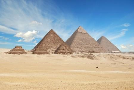 Pirâmides de Gizé. Foto: Waj / Shutterstock.com