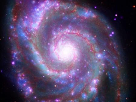 M51, uma galáxia em formato espiral. Foto: NASA.