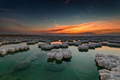 Pôr do sol no Mar Morto. Foto: Ido Meirovich / Shutterstock.com