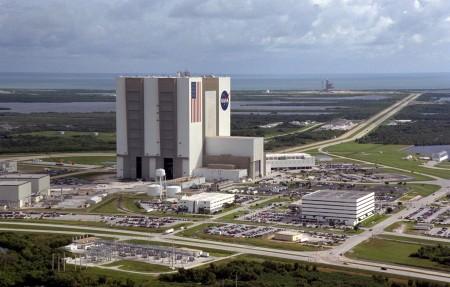 Kennedy Space Center, localizado no Cabo Canaveral, Flórida, é um dos complexos da NASA utilizados para lançamentos de foguetes espaciais. Foto: NASA