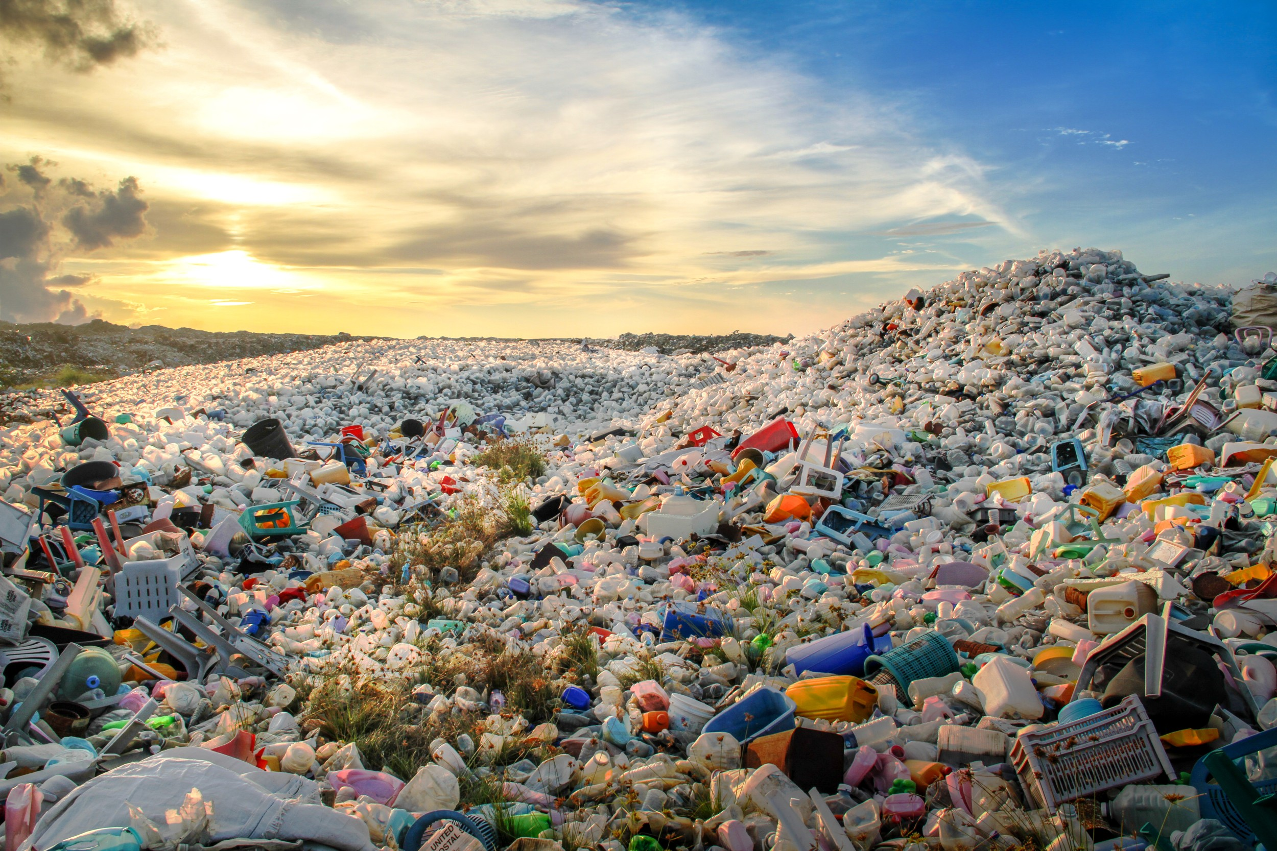 Plásticos - Compostos químicos - InfoEscola