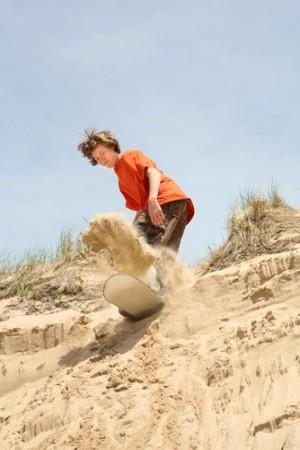 Sandboard. Foto: Suzanne Tucker / Shutterstock.com