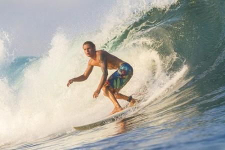 Surfista. Foto: trubavin / Shutterstock.com