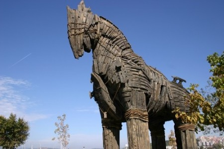 Réplica do Cavalo de Tróia, em exposição na Turquia. Foto: 7382489561 / Shutterstock.com