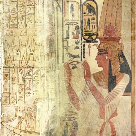 Pintura característica em parede de templo egípcio. Foto: Luisa Fumi / Shutterstock.com