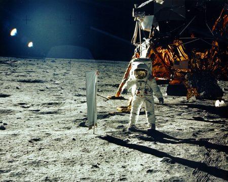 """Edwin """"Buzz"""" Aldrin, da Apollo 11 na Lua: Americanos vencem a corrida espacial."""