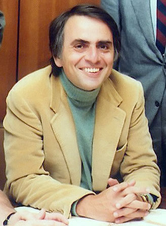 Carl Sagan, em 1980. Foto: NASA / via Wikimedia Commons