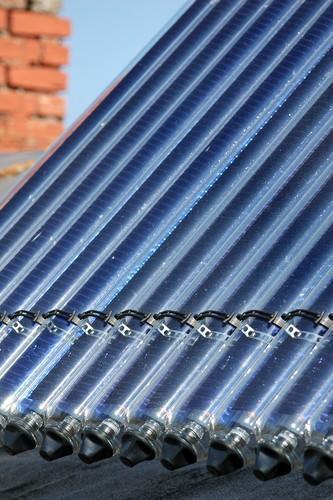 Energia solar fototérmica. Foto: Manuela Fiebig / Shutterstock.com