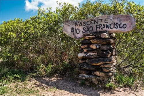 Nascente do Rio São Francisco, em MG. Foto: Luciano Queiroz / Shutterstock.com