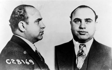 Al Capone preso. Foto: United States Department of Justice [Public domain], via Wikimedia Commons