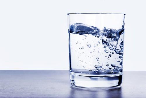 Água pura. Foto: Edler von Rabenstein / Shutterstock.com