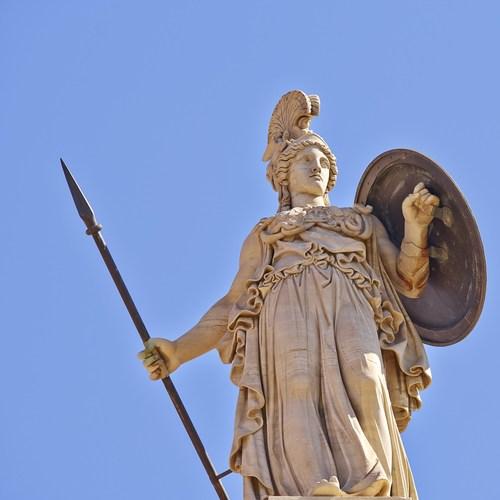 Deusa grega Atena. Foto  Dimitrios   Shutterstock.com 82fa7d9b5ddd1