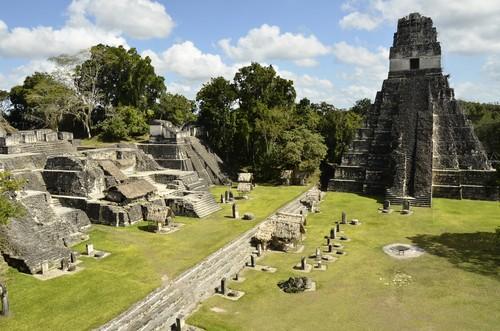 Ruínas de Tikal, Guatemala. Foto: Simon Dannhauer / Shutterstock.com