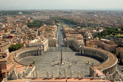 Praça de São Pedro, Vaticano. Foto: Gumiflex / Shutterstock.com