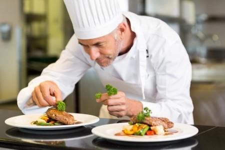 Chefe-de-cozinha. Foto: wavebreakmedia / Shutterstock.com