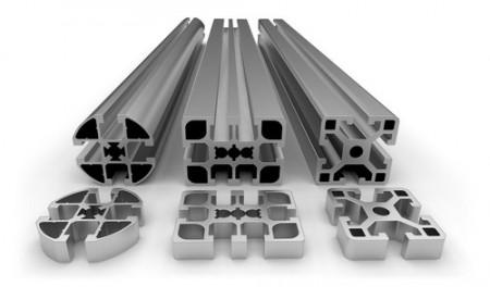 Peças de alumínio extrudado. Foto: Peter Sobolev / Shutterstock.com