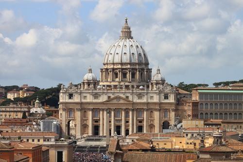 Basílica de São Pedro - História - InfoEscola