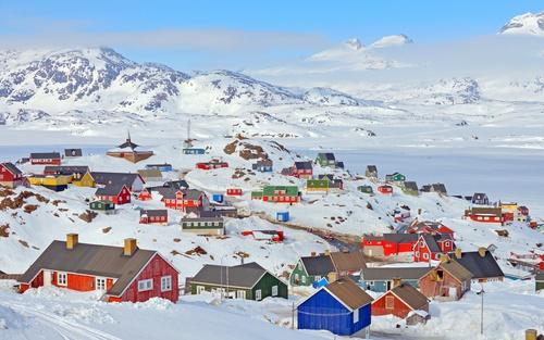 Pequeno vilarejo na Groenlândia. Foto: icarmen13 / Shutterstock.com