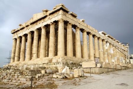Partenon, um dos mais importantes monumentos do Período Clássico da Grécia.. Foto: pudi studio / Shutterstock.com