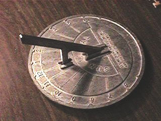 8cf9ff08f36 Todos os relógios de sol devem ser alinhados com o eixo de rotação da  Terra