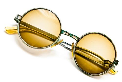 Óculos antigo. Foto: Be Good / Shutterstock.com