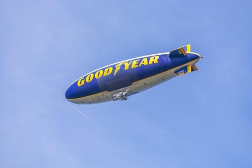 O gás hélio (junto com o nitrogênio) é responsável por manter balões e dirigíveis flutuando. Foto: Jorg Hackemann / Shutterstock.com