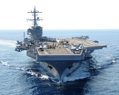 Porta aviões nuclear USS George H.W. Bush (CVN-77).
