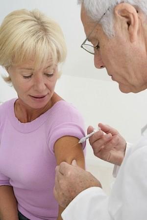 A vacinação de grupos de riscos é uma importante parte da profilaxia da gripe. Foto: JPC-PROD / Shutterstock.com
