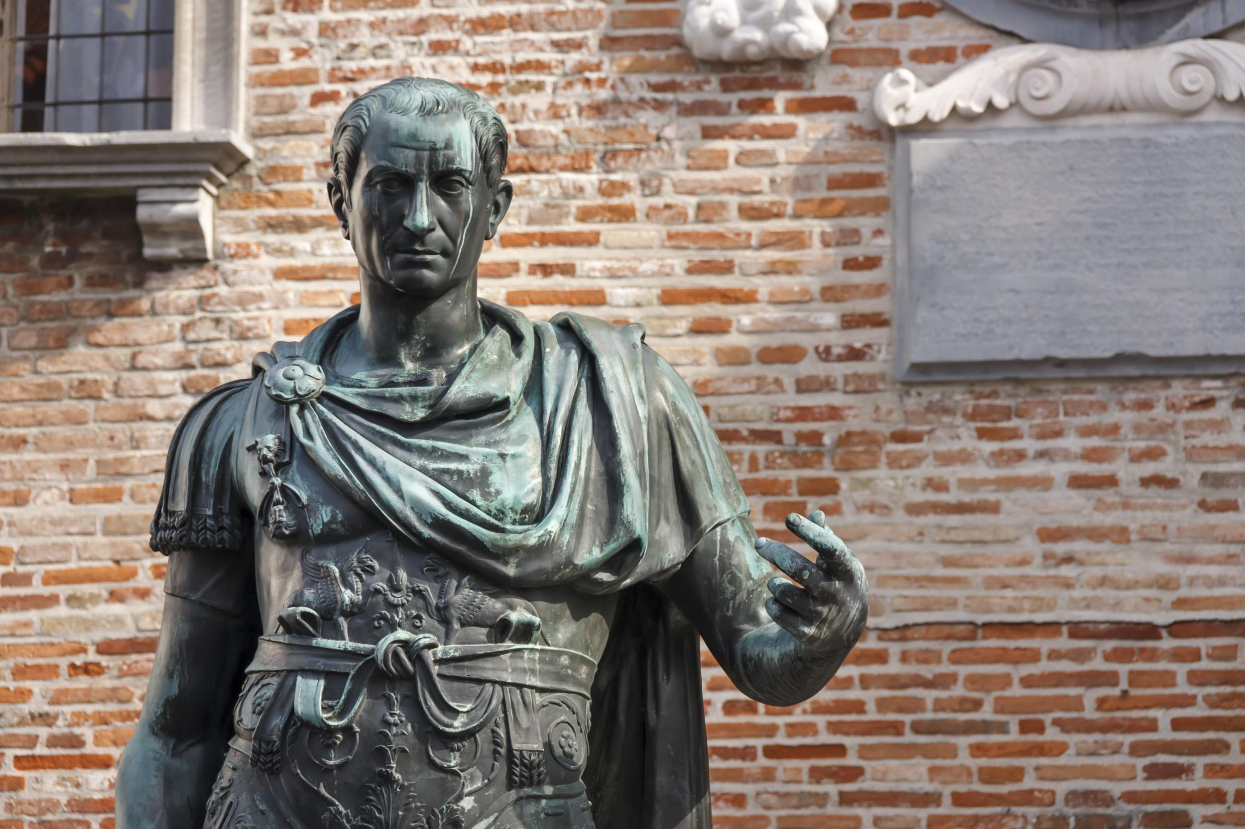 Júlio César - Biografia do Imperador Romano - História ...